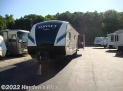 New 2018  CrossRoads Sunset Trail Super Lite 322 BH by CrossRoads from Hayden's RV's in Richmond, VA
