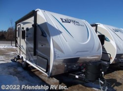 New 2018 Coachmen Freedom Express Pilot 19FBS available in Friendship, Wisconsin