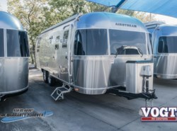 New 2018  Airstream Flying Cloud 25RB by Airstream from Vogt Family Fun Center  in Fort Worth, TX