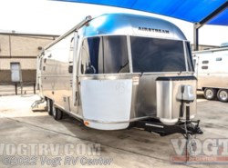 New 2017  Airstream International Signature 25FB by Airstream from Vogt RV Center in Ft. Worth, TX