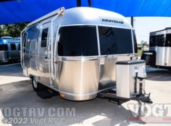 Used 2016  Airstream Flying Cloud 19 by Airstream from Vogt RV Center in Ft. Worth, TX