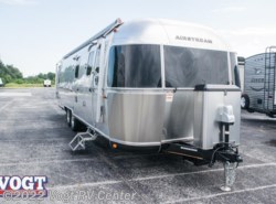 New 2018  Airstream Classic 30 Twin by Airstream from Vogt RV Center in Ft. Worth, TX