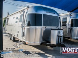 New 2018  Airstream International Signature 25RB by Airstream from Vogt RV Center in Ft. Worth, TX