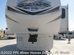 Used 2013  Keystone Montana 3582RL by Keystone from PPL Motor Homes in Cleburne, TX