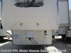 Used 2013  Forest River Wildcat ASSUMED 344QB by Forest River from PPL Motor Homes in Cleburne, TX
