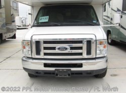 Used 2011  Four Winds International Chateau 31B by Four Winds International from PPL Motor Homes in Cleburne, TX