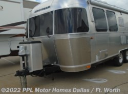 Used 2017 Airstream International 23D SIGNATURE available in Cleburne, Texas
