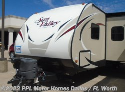 Used 2015 EverGreen RV Sun Valley 283BH LTD available in Cleburne, Texas