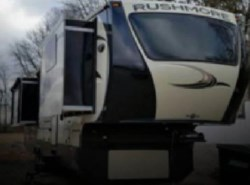Used 2014  CrossRoads Rushmore 35 by CrossRoads from POP RVs in Sarasota, FL