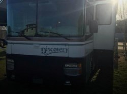 Used 2000 Fleetwood Discovery 38 available in Sarasota, Florida