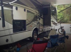 Used 2015  Coachmen Concord 31 by Coachmen from POP RVs in Sarasota, FL