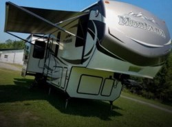 Used 2015  Keystone Montana 3791 RDTT by Keystone from POP RVs in Sarasota, FL