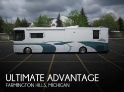 Used 1999 Winnebago Ultimate Advantage 40J available in Farmington Hills, Michigan