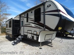 New 2018  CrossRoads Cruiser CR3351BH by CrossRoads from Courvelle's RV in Opelousas, LA