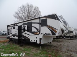 Used 2014  Keystone Fuzion 331 by Keystone from Courvelle's RV in Opelousas, LA