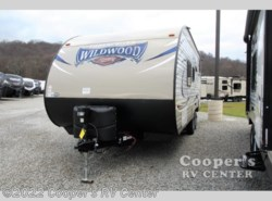 New 2017  Forest River Wildwood X-Lite 201BHXL by Forest River from Cooper's RV Center in Apollo, PA