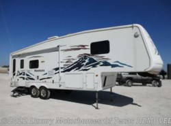 Used 2005  Keystone Montana 30ft 2 Slide by Keystone from Luxury Motorhomes Of Texas in Krum, TX