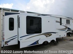 Used 2011  Heartland RV Sundance 33ft 3 Slide 2 Acs by Heartland RV from Luxury Motorhomes Of Texas in Krum, TX