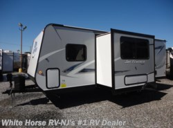 New 2017  Jayco Jay Feather 23RBM Front Murphy Bed w/U-Dinette Slideout by Jayco from White Horse RV Center in Williamstown, NJ