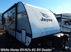 New 2018  Jayco Jay Feather 213 Front Bunks w/King Bed Rear Slideout by Jayco from White Horse RV Center in Williamstown, NJ