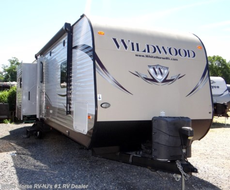 2014 Forest River Wildwood 31BKIS 2-BdRM Triple Slide with Outside Kitchen