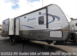 New 2017  CrossRoads Zinger 33BH by CrossRoads from RV Outlet USA in North Myrtle Beach, SC