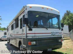 Used 1998  Fleetwood Discovery 36 by Fleetwood from Parkway RV Center in Ringgold, GA