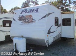 Used 2010  Palomino Puma 30Fqss by Palomino from Parkway RV Center in Ringgold, GA