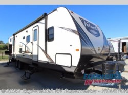 New 2018  CrossRoads Volante 32SB by CrossRoads from ExploreUSA RV Supercenter - ALVIN, TX in Houston, TX
