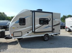 New 2019  Forest River  19FBS by Forest River from 4Z's RVs Inc in Peru, IN