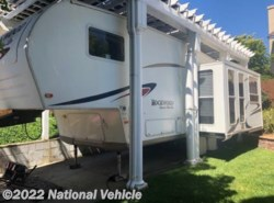 Used 2007 Forest River Rockwood Ultra Lite Signature 8283SS 30' Fifth Wheel available in Vacaville, California