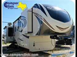 New 2018  Grand Design Solitude 373FB by Grand Design from Camper Clinic, Inc. in Rockport, TX