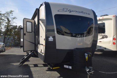2019 Forest River Rockwood Signature Ultra Lite 8326BHS