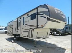 New 2019  Forest River Wildcat 29RLX by Forest River from Colonia Del Rey RV in Corpus Christi, TX