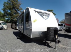 Used 2017  Winnebago Micro Minnie 2106DS by Winnebago from Colonial Airstream & RV in Lakewood, NJ