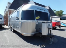 Used 2018  Airstream Flying Cloud 27FBT Twin by Airstream from Colonial Airstream & RV in Lakewood, NJ