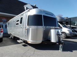 Used 2018  Airstream International Serenity 30RBQ Queen by Airstream from Colonial Airstream & RV in Lakewood, NJ