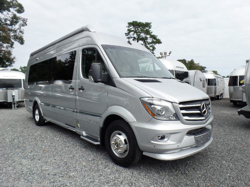 ef81dd0f81 2019 Airstream RV Interstate Tommy Bahama Grand Tour EXT AS for Sale ...