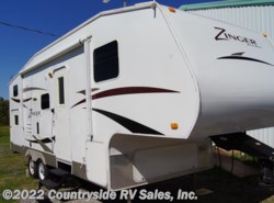 Used 2010  CrossRoads Zinger  by CrossRoads from Countryside RV Sales Inc. in Gladewater, TX