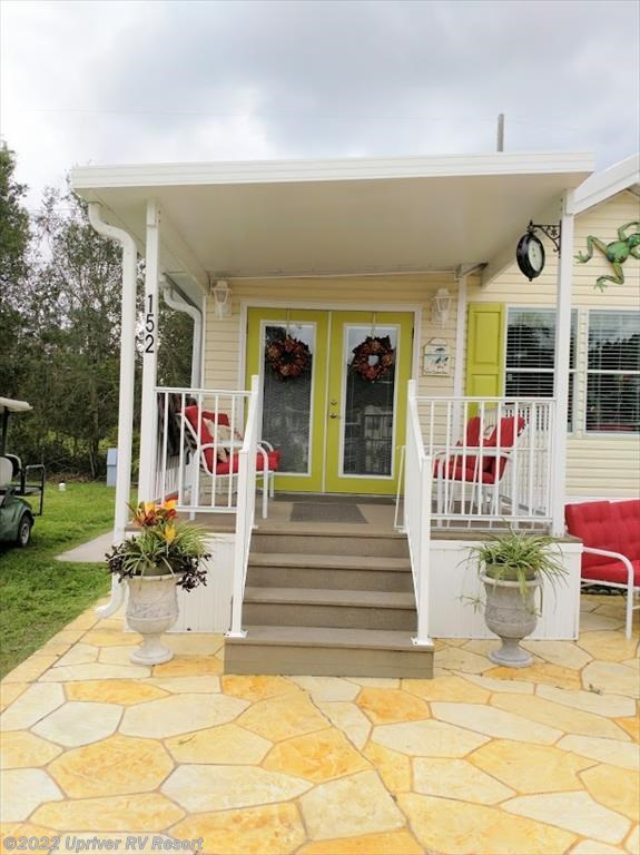 #Lot #152 - 1995 Fleetwood Oak Park for sale in North Fort Myers FL